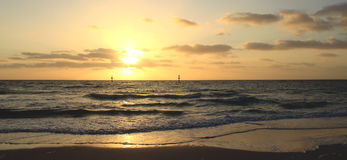 Overzeese zonsondergang Panorama royalty-vrije stock afbeelding
