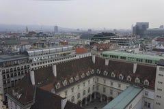 Overzicht van de horizon van Wenen in een bewolkte dag Royalty-vrije Stock Afbeeldingen