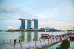 Overzicht van de jachthavenbaai met Merlion en Marina Bay Sands Royalty-vrije Stock Afbeelding