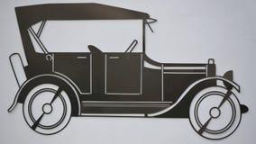 Overzichts oude die auto van bladmetaal wordt gemaakt Stock Foto
