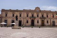 Ovid雕象,广场XX Settembre,苏尔莫纳,阿布鲁佐 库存照片