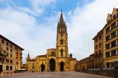 Oviedo katedra w dnia czasie Hiszpanii asturii Obraz Royalty Free