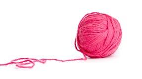 Ovillo rojo de la cuerda de rosca aislado Imagen de archivo libre de regalías