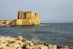 Ovo-Ansicht ` Castel-engen Tals in die Stadt von Neapel stockbild