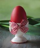 Ovo de Easter vermelho Fotos de Stock