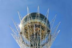 Ovo dourado muito grande em Astana, Foto de Stock Royalty Free
