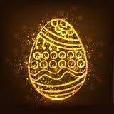 Ovo dourado para a celebração feliz da Páscoa Fotografia de Stock Royalty Free