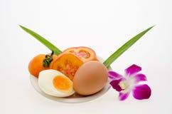 Ovo e orquídea Fotos de Stock