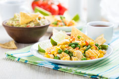 Ovo mexido mexicano caseiro da salada, café da manhã saudável fotos de stock