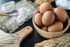 Ovos com fermento em pó para a sobremesa Foto de Stock