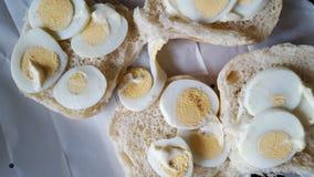 Ovos cozidos no pão Fotografia de Stock Royalty Free