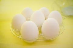 Ovos crus no pacote Fotos de Stock Royalty Free