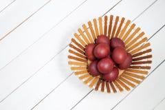 Ovos da páscoa coloridos com easter feliz Foto de Stock Royalty Free