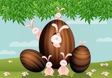 Ovos da páscoa com coelhos Imagens de Stock