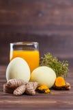 Ovos da páscoa da cúrcuma Fotografia de Stock Royalty Free