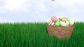 Ovos da páscoa de queda em uma cesta de vime vídeos de arquivo