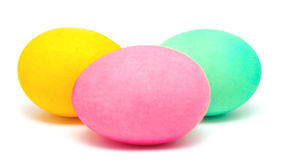 Ovos da páscoa decorados feitos a mão coloridos Foto de Stock