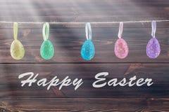 Ovos da páscoa em uma corda Foto de Stock Royalty Free