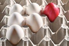 Ovos da páscoa em uma gaveta Fotos de Stock Royalty Free