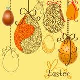 Ovos da páscoa nas cordas Imagem de Stock Royalty Free