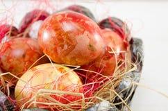 Ovos da páscoa pintados à mão do decoupage Fotos de Stock Royalty Free