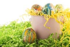 Ovos da páscoa tingidos em nó Fotografia de Stock Royalty Free