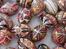 Ovos das pinturas de Moldovita em Romênia Em agosto de 2014 Fotografia de Stock
