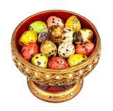 Ovos de codorniz coloridos (ovos pequenos do pássaro) na bandeja de Lanna Imagem de Stock Royalty Free