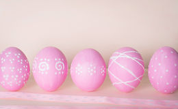 Ovos de Easter decorados Fundo com ovos da páscoa e spac da cópia Imagem de Stock Royalty Free