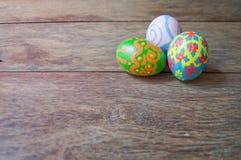 Ovos de Easter na madeira Foto de Stock