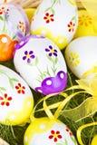 Ovos de Easter pintados coloridos Imagens de Stock