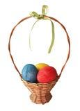 Ovos de Easter pintados na cesta Imagem de Stock Royalty Free