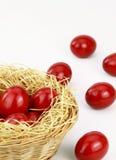 Ovos de easter vermelhos fotos de stock royalty free