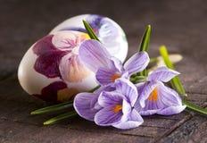 Ovos e açafrões de Easter Imagem de Stock Royalty Free