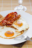 Ovos e bacon Imagens de Stock Royalty Free