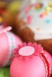 Ovos e bolo decorados Páscoa de easter Fotografia de Stock