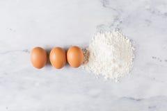 Ovos e farinha Foto de Stock Royalty Free