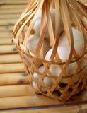Ovos em um pacote Imagem de Stock
