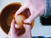 Ovos em uma bacia Imagem de Stock