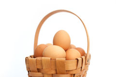 Ovos em uma cesta Imagem de Stock