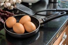 Ovos em uma frigideira Fotografia de Stock