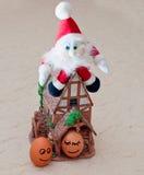 Ovos engraçados, Santa, casa Imagens de Stock