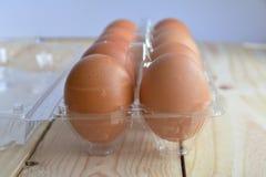 Ovos frescos em um pacote plástico Foto de Stock Royalty Free