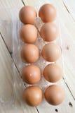 Ovos frescos em um pacote plástico Imagem de Stock