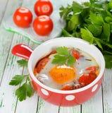 Ovos fritados com vegetais Imagens de Stock
