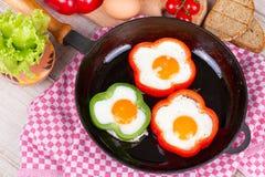 Ovos fritados em uma pimenta Fotos de Stock Royalty Free