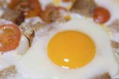 Ovos fritados perto acima foto de stock royalty free