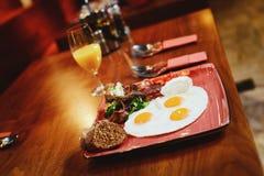 Ovos fritos do café da manhã Imagens de Stock Royalty Free