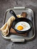 Ovos fritos frescos imagem de stock