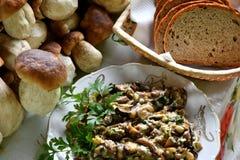 Ovos mexidos dos cogumelos Fotografia de Stock